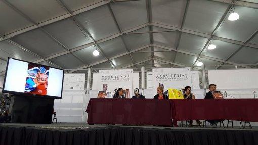 Panel de invitados en la presentación de los números 119 y 120 de Artes de México, dedicados a la lucha libre.
